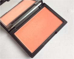 Blush life's a peach Sleek